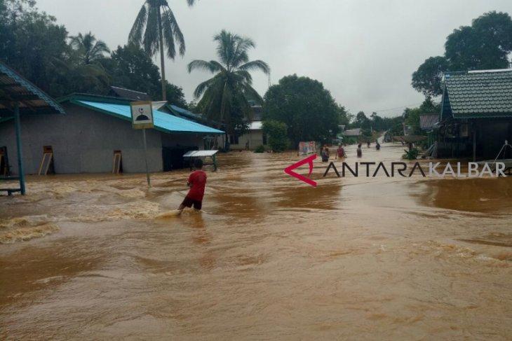 Ratusan rumah warga di Bunut Hulu Kalbar terkena banjir