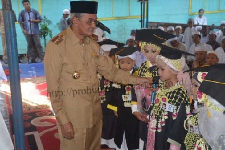 Bupati Hadiri Khatam Al Qur An Tka Muhammad Arsyad Al Banjari Antara News Kalimantan Selatan