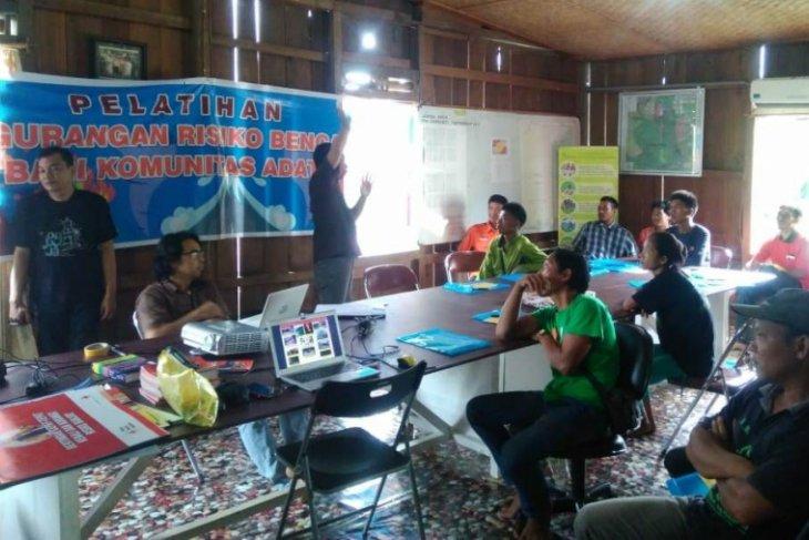Suku marginal Jambi mendapat pelatihan penanggulangan bencana