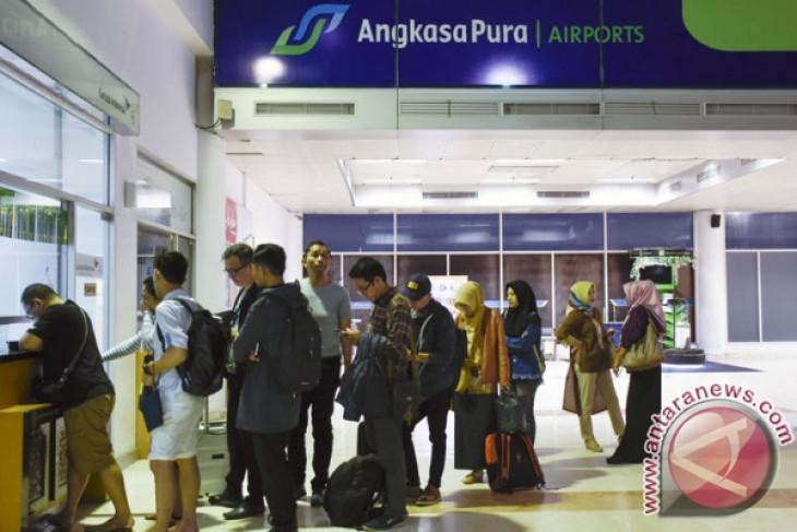 Lombok airport remains operational despite Mount Agung`s eruption