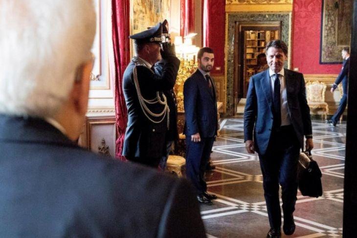 Giuseppe Conte dilantik jadi perdana menteri Italia