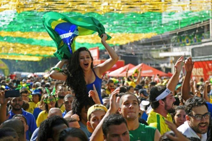 Ada penggemar Piala Dunia yang berkelahi?