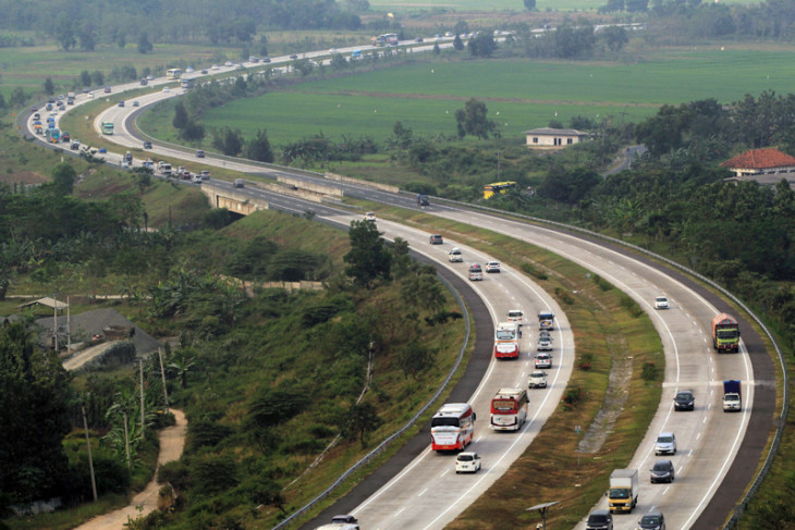 Trans-Java Toll Road boosts nation`s economic activities