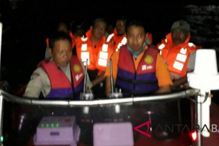 Kandas di Selat Bali, penumpang KMP Swakarya VII dievakuasi