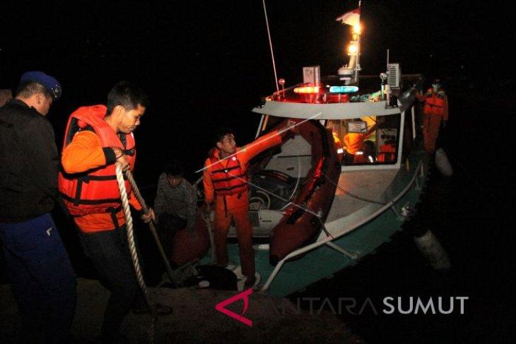 SAR Jembrana selamatkan penumpang kapal kandas