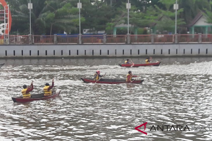 19 teams compete in Mapala ULM rowing contest