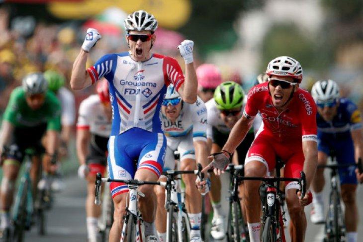 Pebalap sepeda Arnaud jalani operasi pergelangan tangan