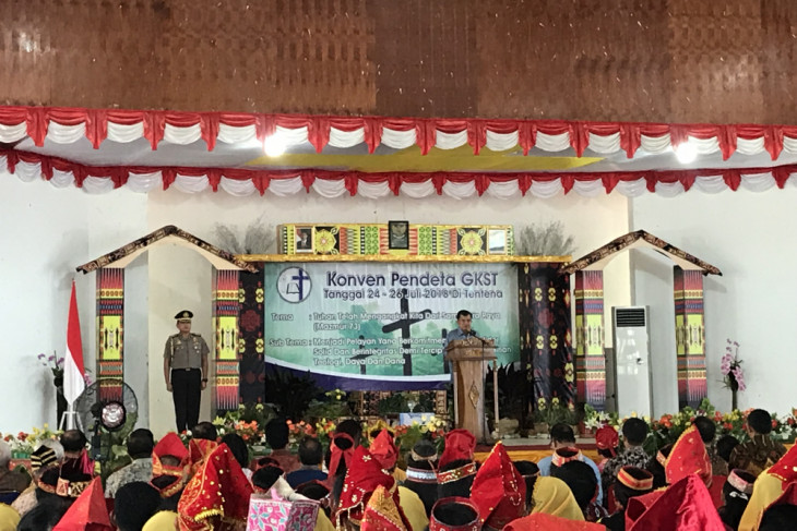 Kalla delivers speech at meeting of Central Sulawesi Christian Priests