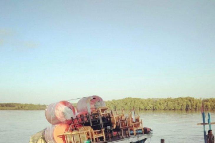Kapal Motor air intan tenggelam karena bocor