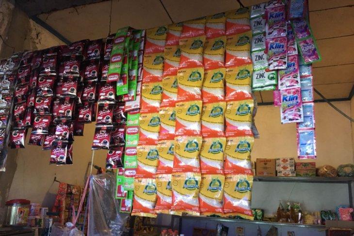 Bulog Karawang-Bekasi salurkan 13.500 beras sachet