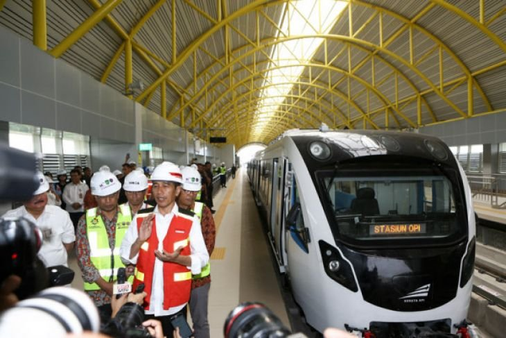 Presiden Jokowi: LRT bisa dorong ekspor Indonesia