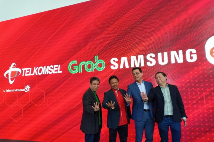 Grab gandeng Samsung, Telkomsel, dan Erafone luncurkan program kepemilikan ponsel cerdas