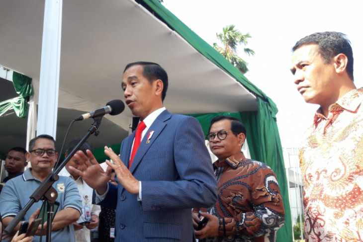 President  jokowi observes indo livestock exhibition