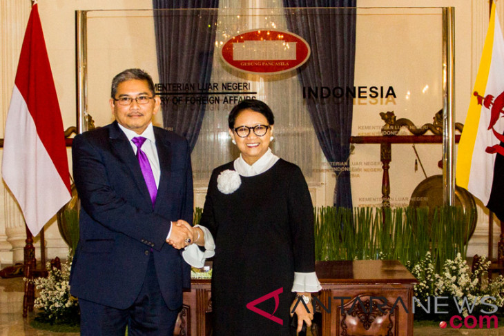 Indonesia to boost military products` procurement process for Brunei