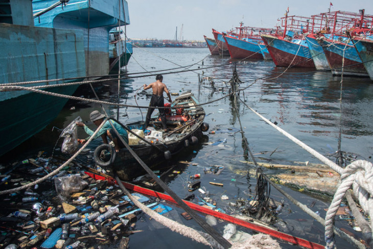 People`s participation vital in managing plastic waste