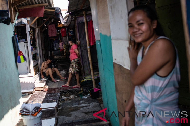 Indonesia manages to lower poverty rate