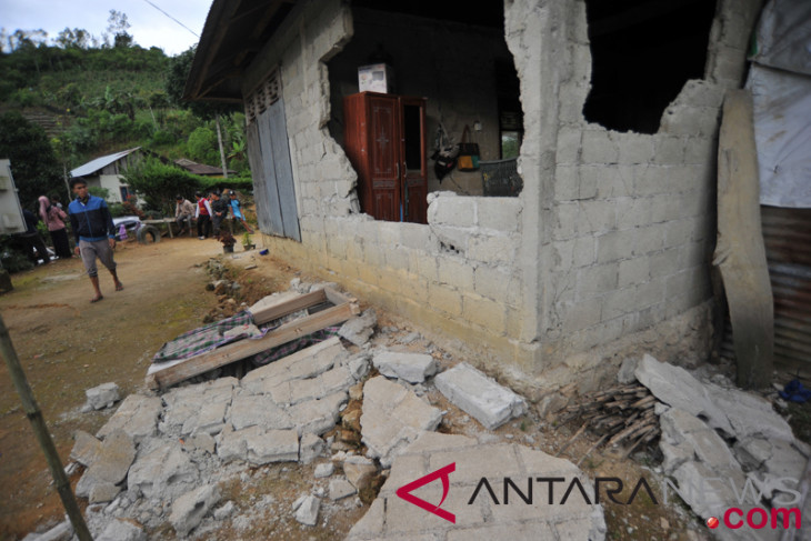 Earthquake damages 40 houses in South Solok