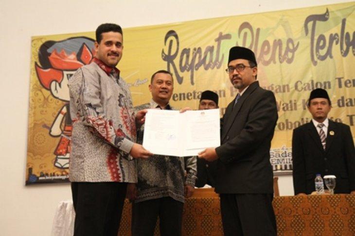 Hadi Zainal Abidin-M. Soufis Subri Ditetapkan Calon Wali Kota dan Wakil Wali Kota Probolinggo Terpilih