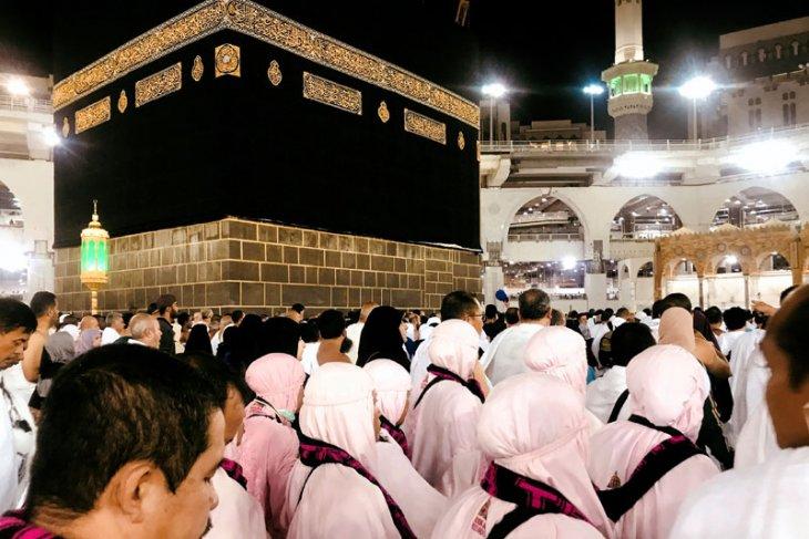 Religious Minister proposes improvement in hajj facilities to Saudi government