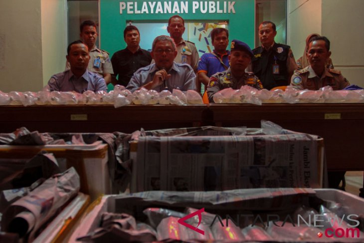Police thwart smuggling of thousands of lobster seeds