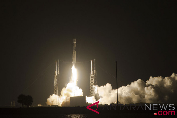 Indonesia`s Telkom satellite launched from Florida