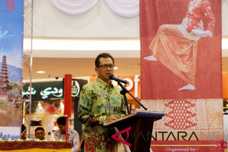 Ambassador calls on businessmen to establish networks in Brunei