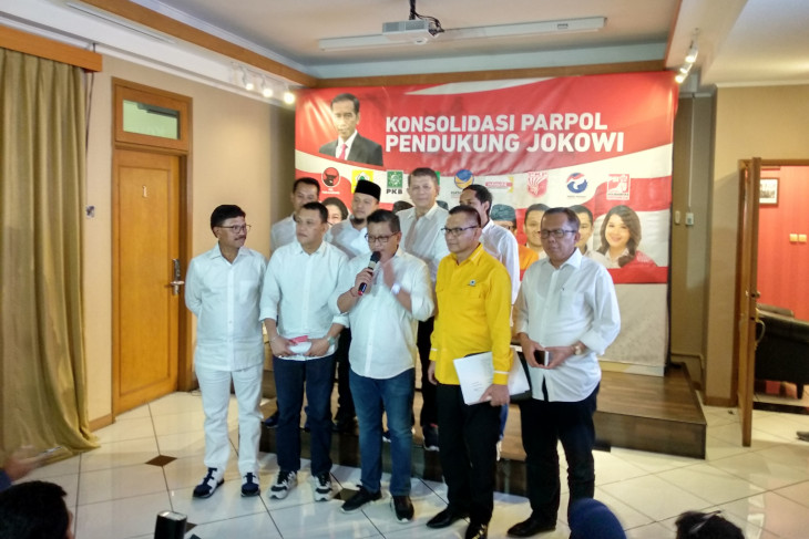 Jokowi-Amin campaign team, volunteers discuss synergy