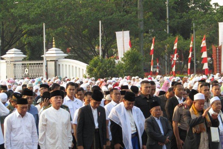 President Jokowi performs Eid al-Adha prayers in Cibinong
