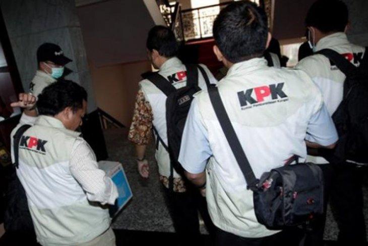KPK bawa 11 orang dari OTT Lampung