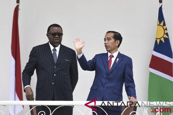 Presiden dan Ibu Negara Namibia positif corona
