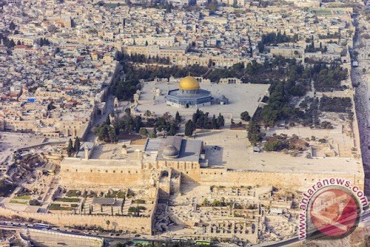 Blaze Erupts at Jerusalem's Historic al-Aqsa Mosque