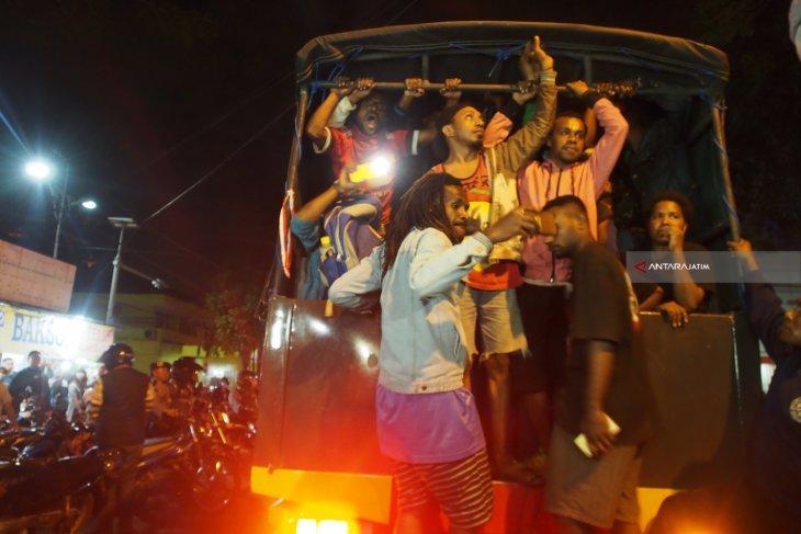 Polrestabes Surabaya Selidiki Gerakan Mahasiswa Papua (Video)