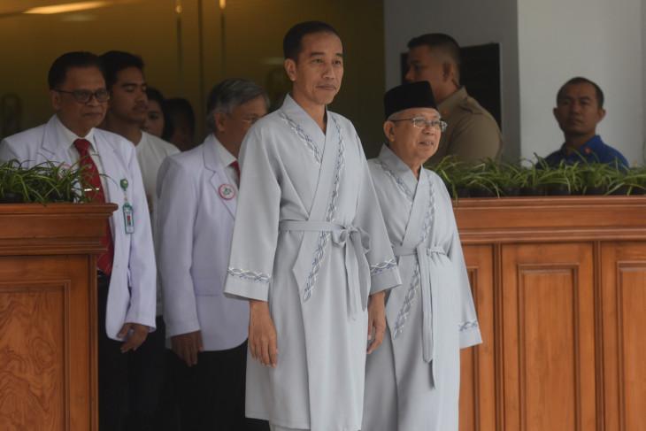 Jokowi-Ma`ruf pair undergo medical check u