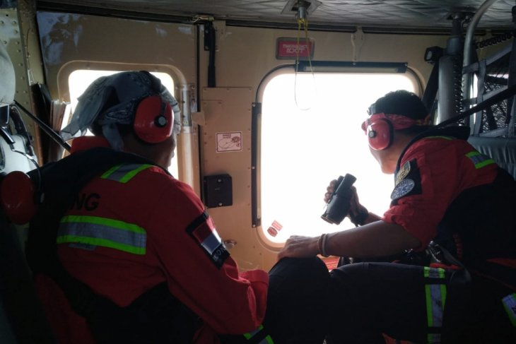 Satu helikopter dikerahkan cari korban KM Karios