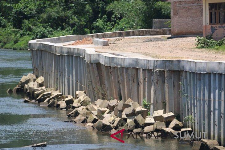 Beginilah kondisi proyek penahan tanah Sungai Sibuluan