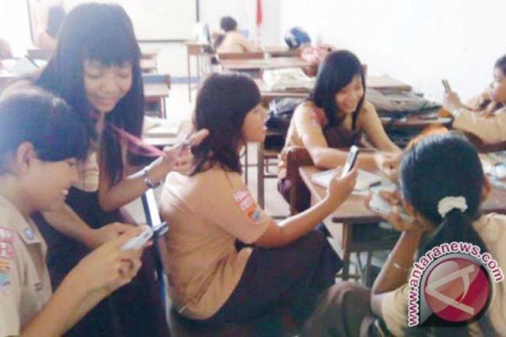 Disdikbud Kalbar sesalkan pelajar simpan video porno di ponsel