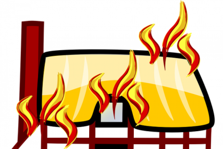 Rumah tinggal  di Kemang Timur Jakarta Selatan terbakar