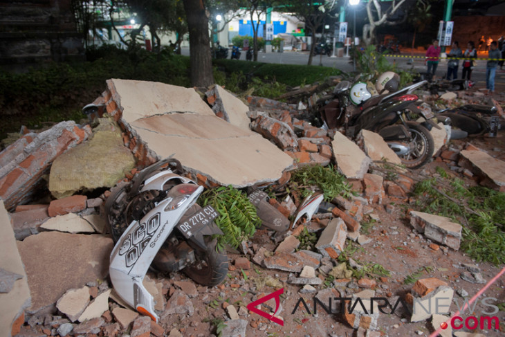 Several buildings collapse in Bali due to Lombok quake
