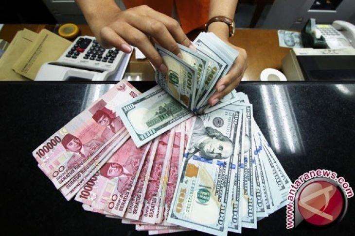 Rupiah Depreciates Against Us Dollar