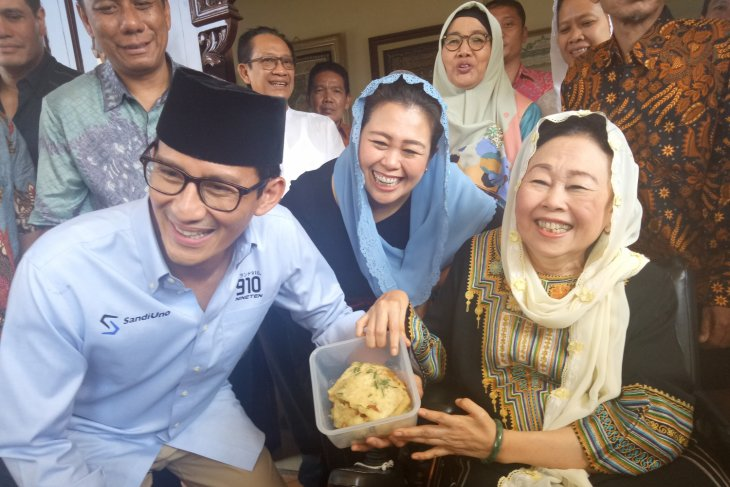 Sandiaga Uno meets former first lady Shinta Nuriyah