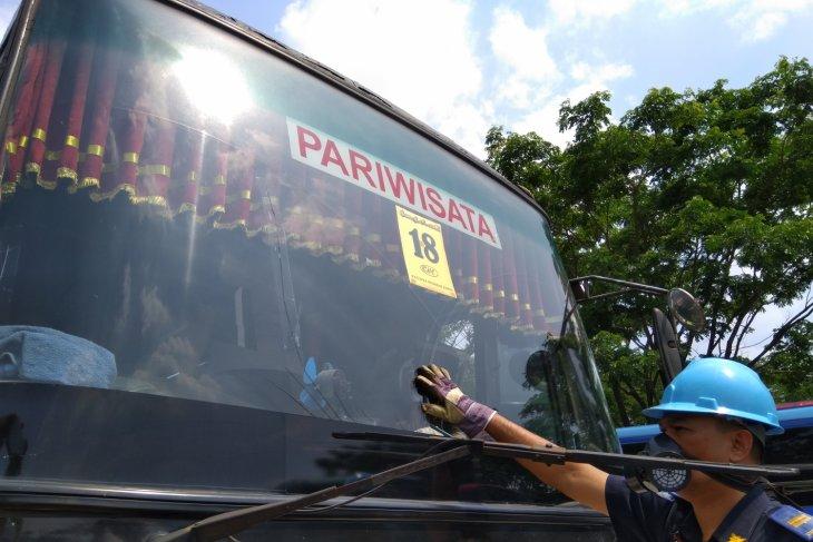 Pria pengangguran membajak bus, Delapan orang tewas