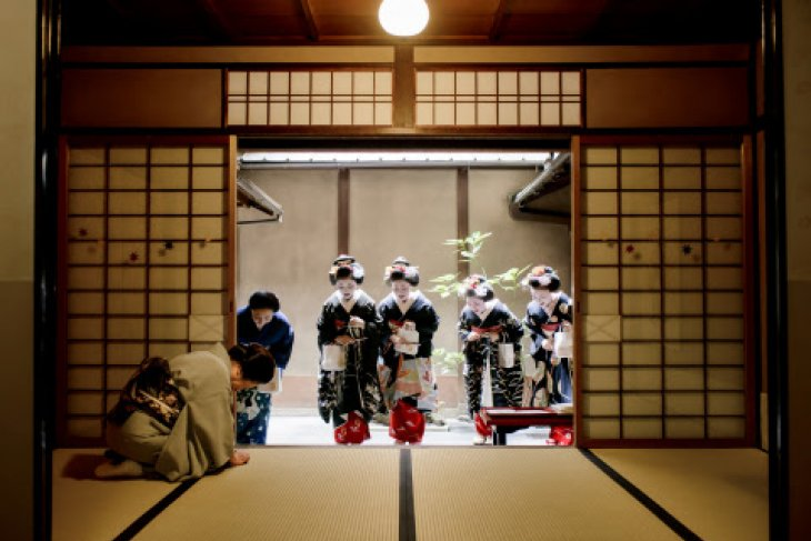 """Keio Plaza Hotel Tokyo hosts """"The Traditional Beauty of Kyoto Supporting Geiko and Maiko Culture"""" exhibition"""