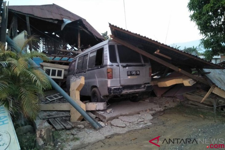 Death toll in Palu quake, tsunami reaches 384 on Saturday