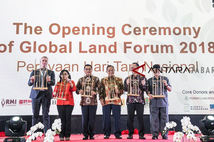 Pembukaan Global Land Forum 2018
