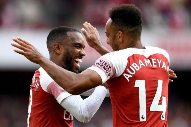 Arsenal sukses bungkam Everton berkat gol Lacazette-Aubameyang