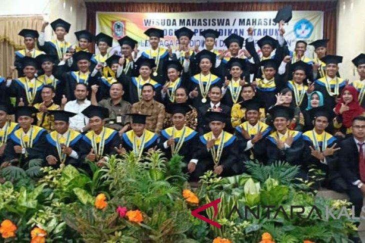 LKP Kharisma gelar wisuda program profesi satu tahun