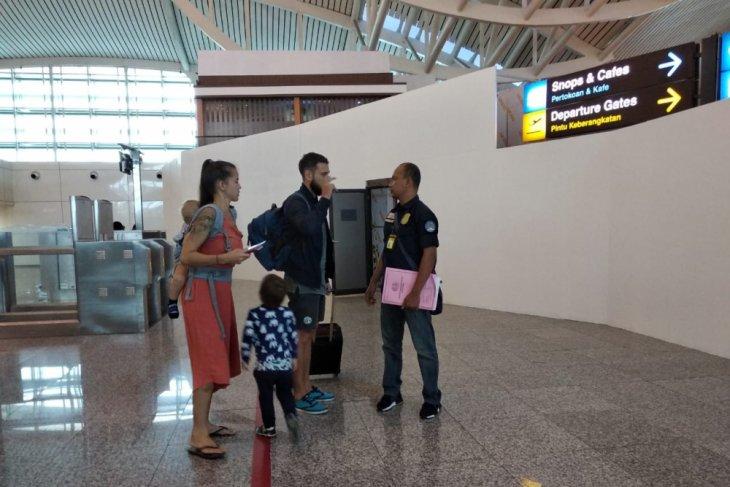 Imigrasi Denpasar deportasi empat warga Rusia