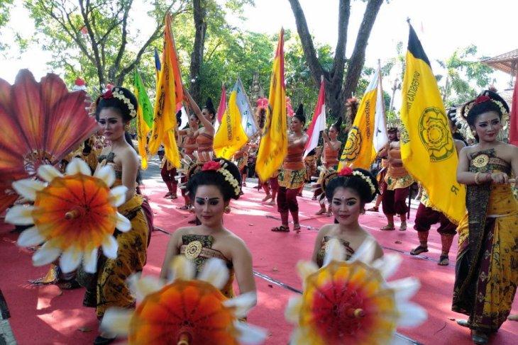 UNHI Denpasar muliakan Ibu Pertiwi lewat