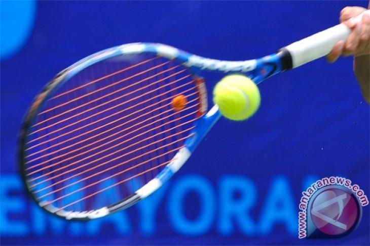 Warga Australia memadati lapangan tenis setelah