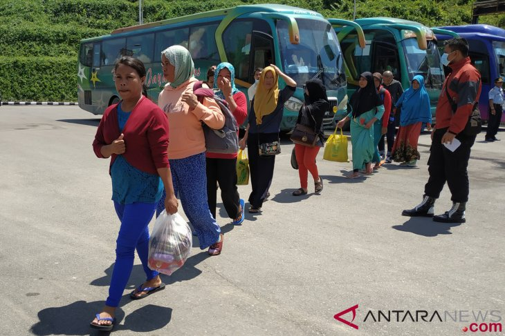 39 workers of East Nusa Tenggara deported from Malaysia
